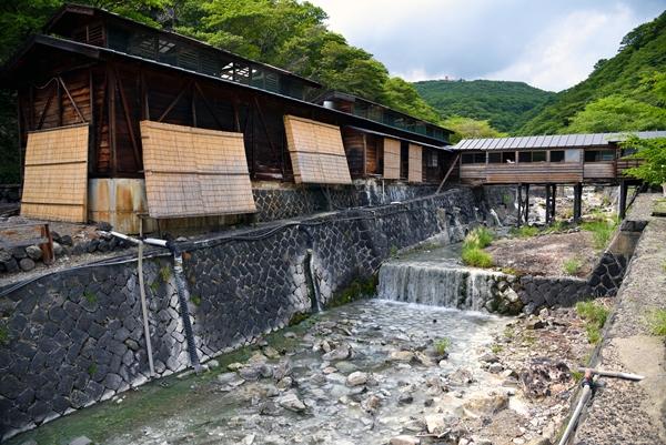那須温泉郷「鹿の湯」