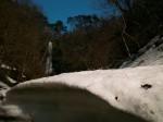 香美町の雪渓と猿尾滝