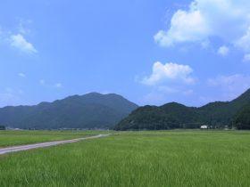 青垣市の田園風景