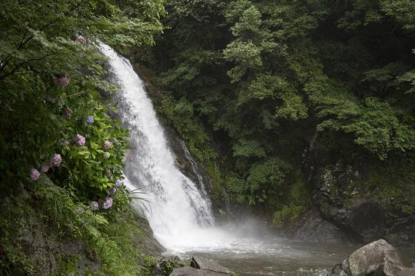佐賀県「見帰りの滝」