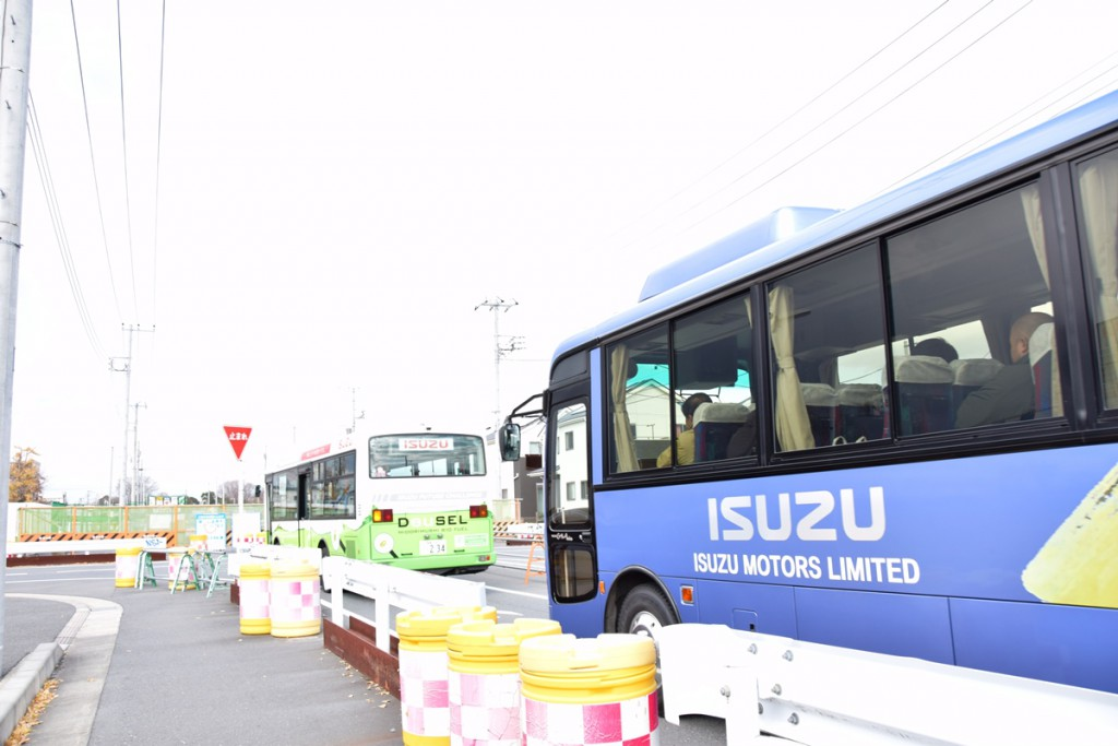 isuzu_motors_bus