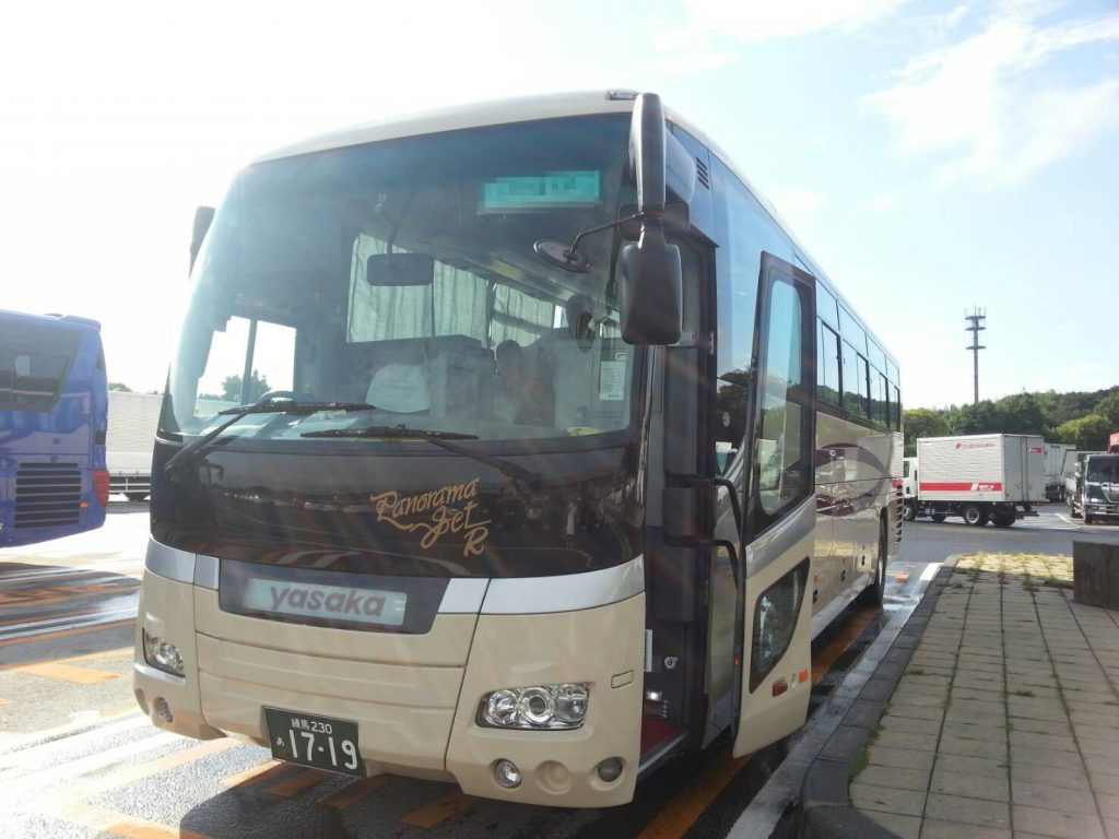 都内にある貸切バス会社さんの大型バス