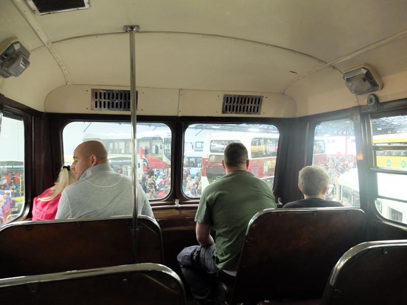 ヴィンテージバスの2階席からの眺望