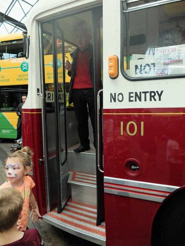 YSG101のドア