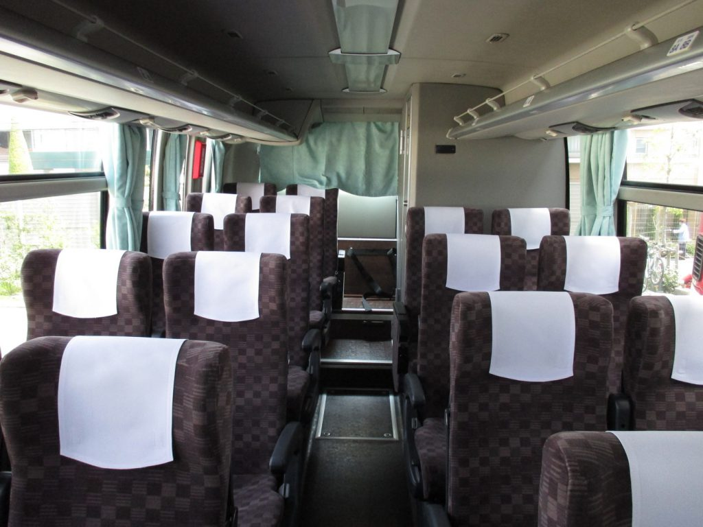 京王バスの高速バス車両の様子