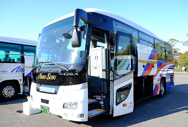 中型バスはトランクも大容量!