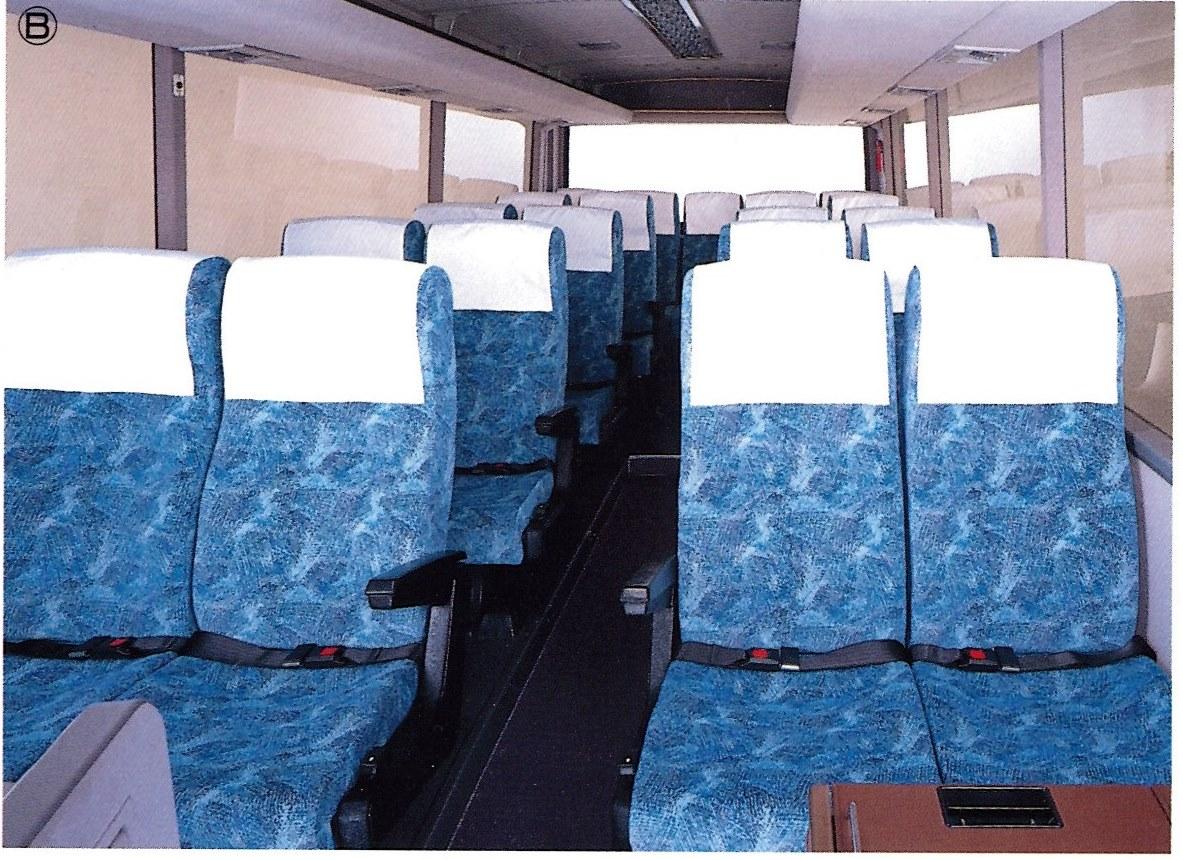 日野レインボー7Mの座席