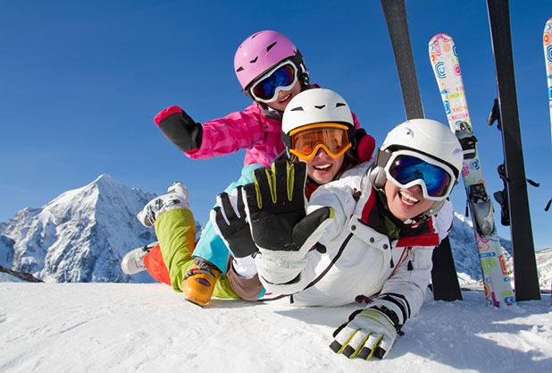 スキー旅行は貸切バスで