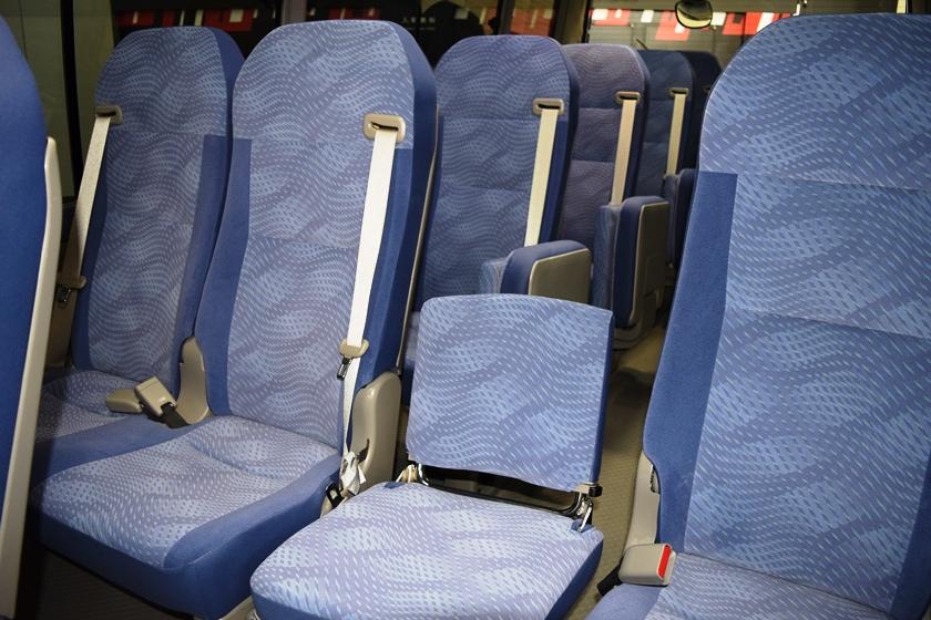 旧モデルコースターの座席