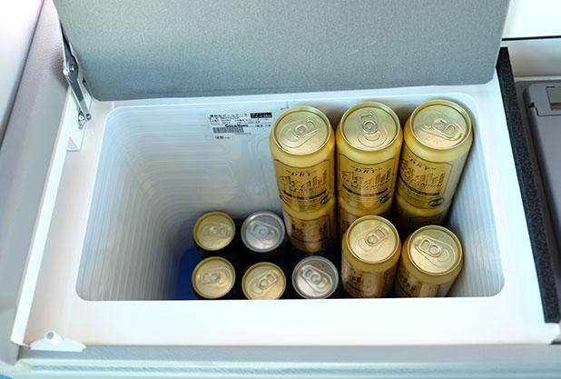 バス内の冷蔵庫