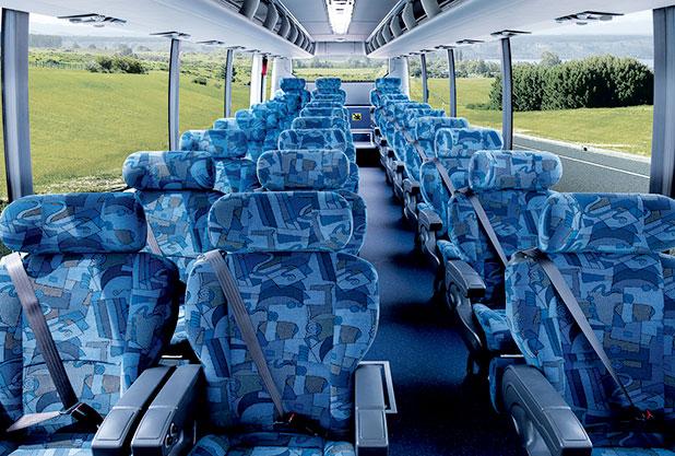 現代自動車のバス車内・3点式シートベルト