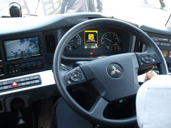運転士の疲労軽減をもたらす優れた操作性を実現