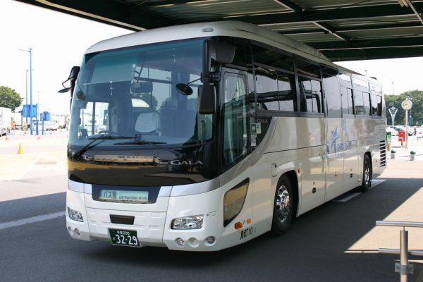 バス窓NETWORK BUSの所有するリフト付きバス