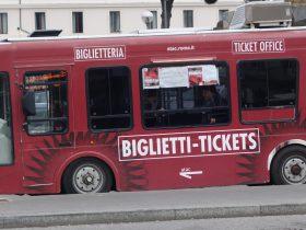 電気で走るローマのミニバス