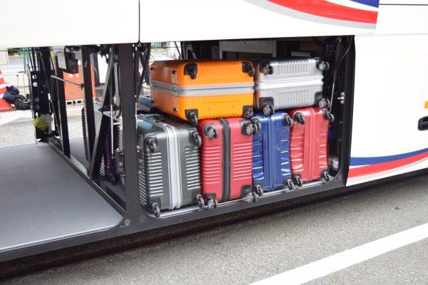 大型バスのトランクルームの収納力