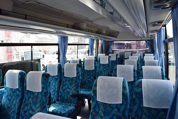 中型バスの座席例