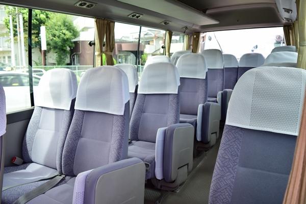 マイクロバス座席の配置