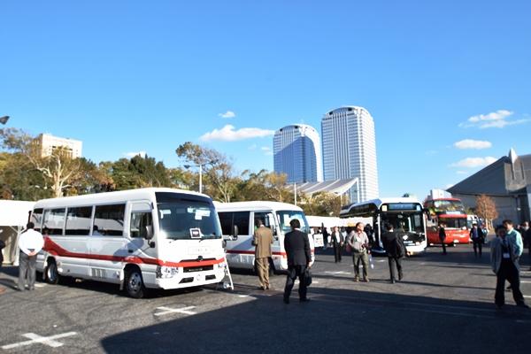 小型バスの二次架装に定評がある中京車体の展示