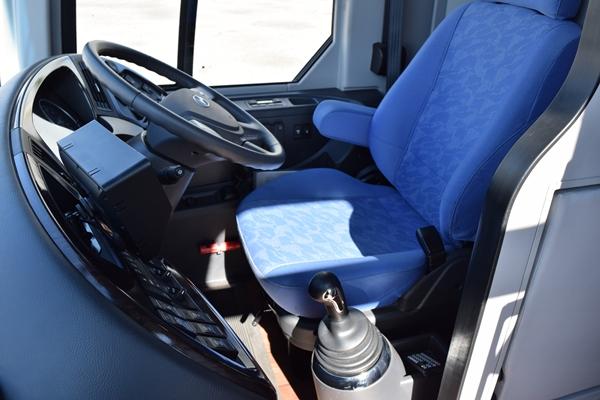 ユニバースMT車