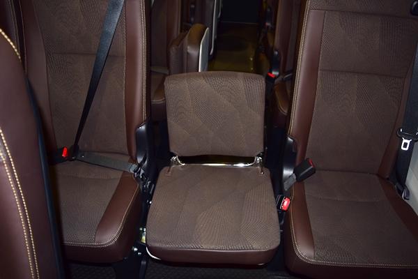 新型コースターの補助席