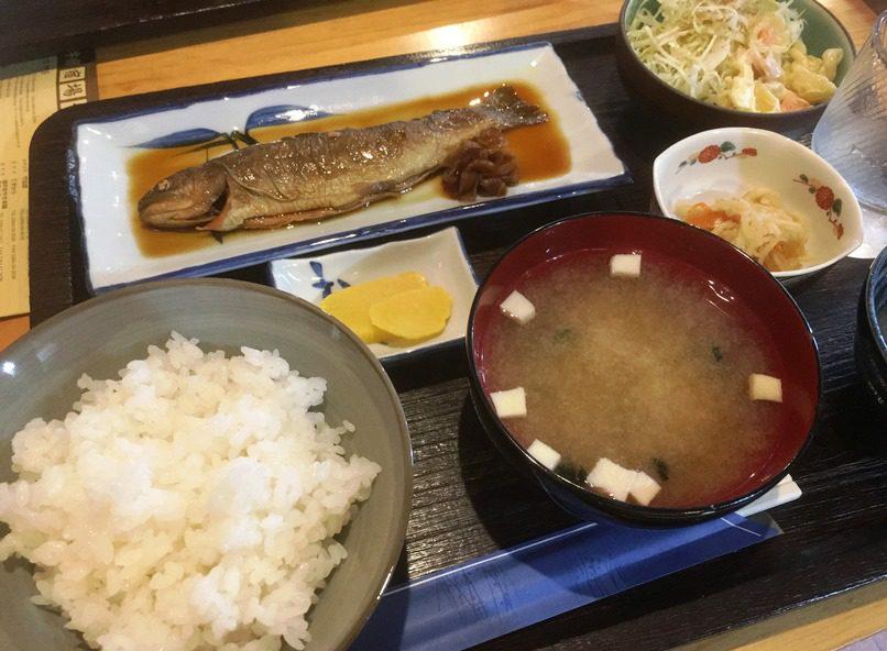 イワナの甘露煮定食