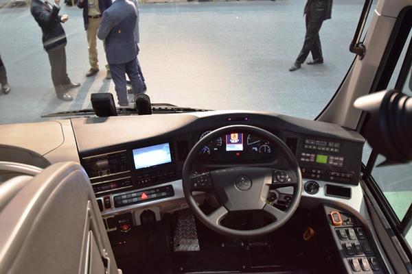 三菱ふそうドライバー異常時対応システム