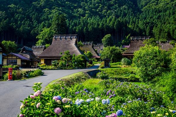 日本の原風景が広がる「美山かやぶきの郷」