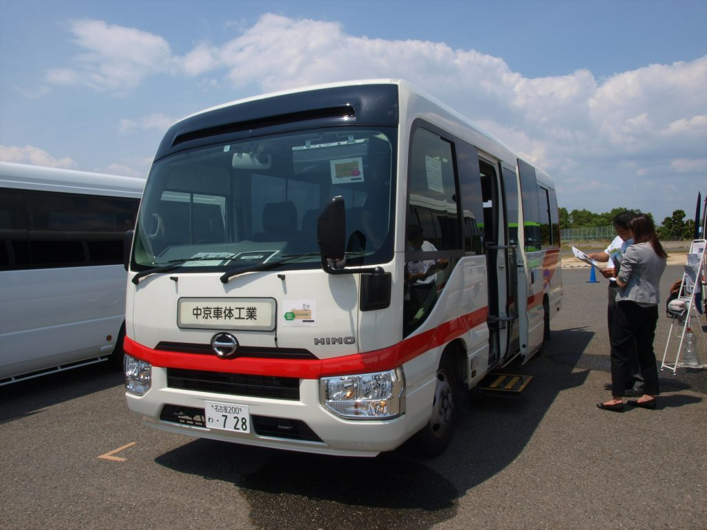 中京車体工業出展「日野 リエッセII(マルチユースマイクロバス)」