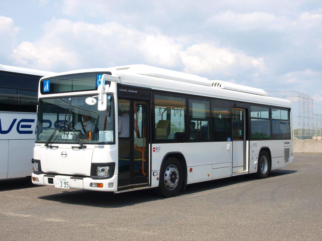 日野ブルーリボンハイブリッド(AMT車)