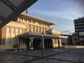 早朝のJR奈良駅
