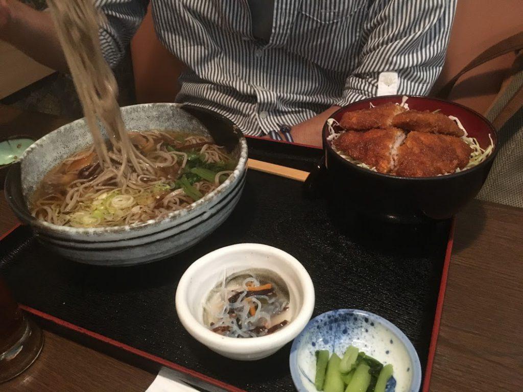 駒ヶ根名物・ソースカツ丼とソバのコラボメニュー