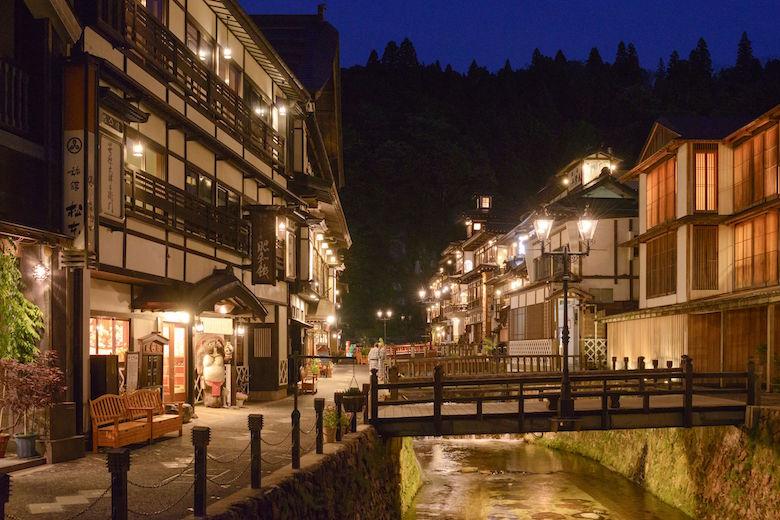 銀山温泉(夜)