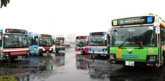 「バスまつりin晴海ふ頭2018」のバス車両展示の様子