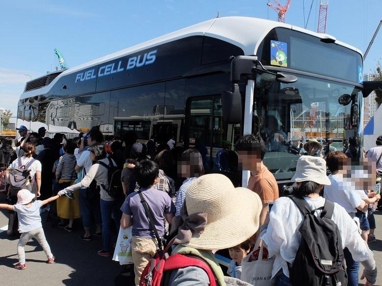 都営バスの燃料電池バスは大人気