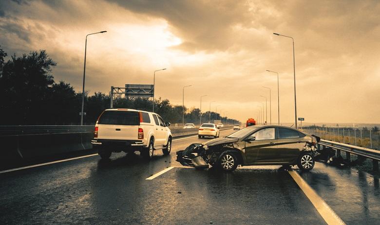 自動車事故の経緯