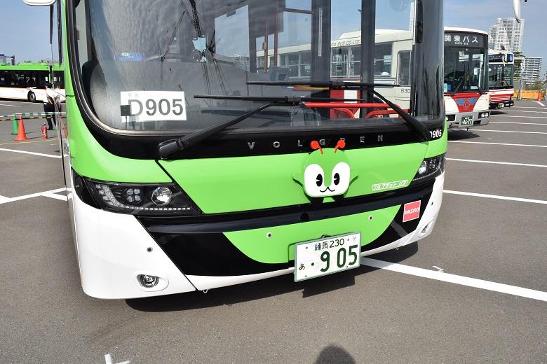 スカニア製のフルフラットバス