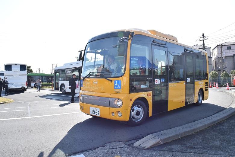 小型路線バス「ポンチョ」のロングタイプ