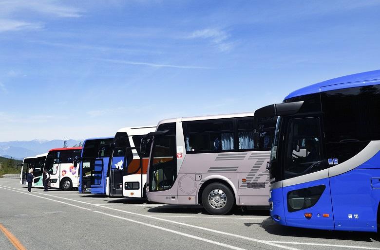 バスを運転手付きでレンタルして青森旅行