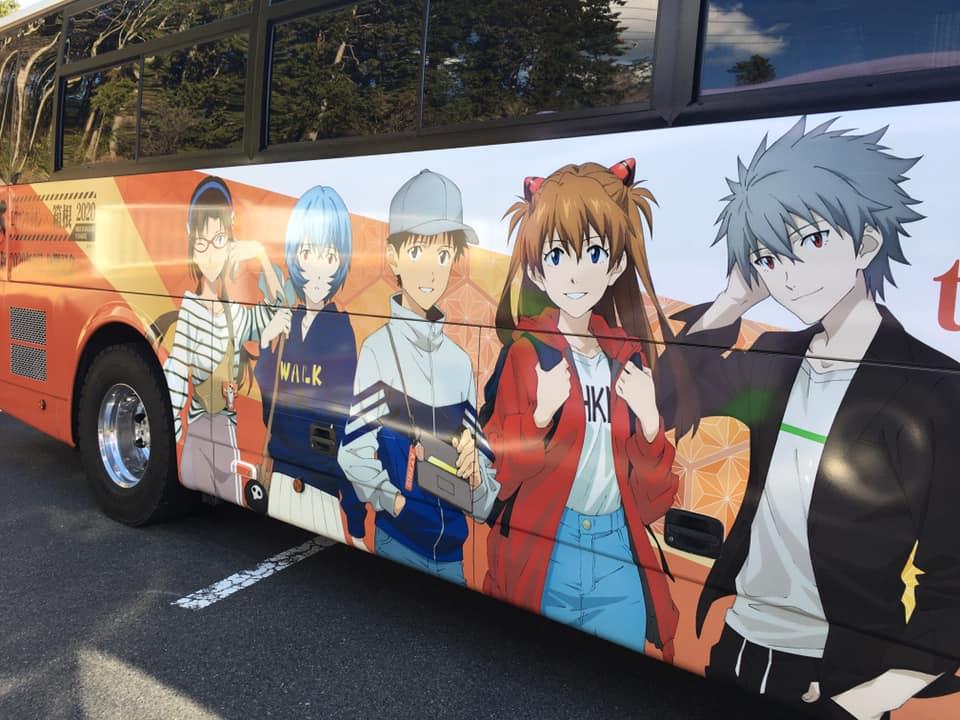 ラッピング高速バス(キャラクター面)