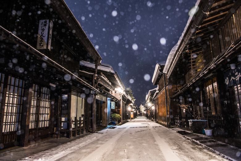 飛騨の古い町並み冬