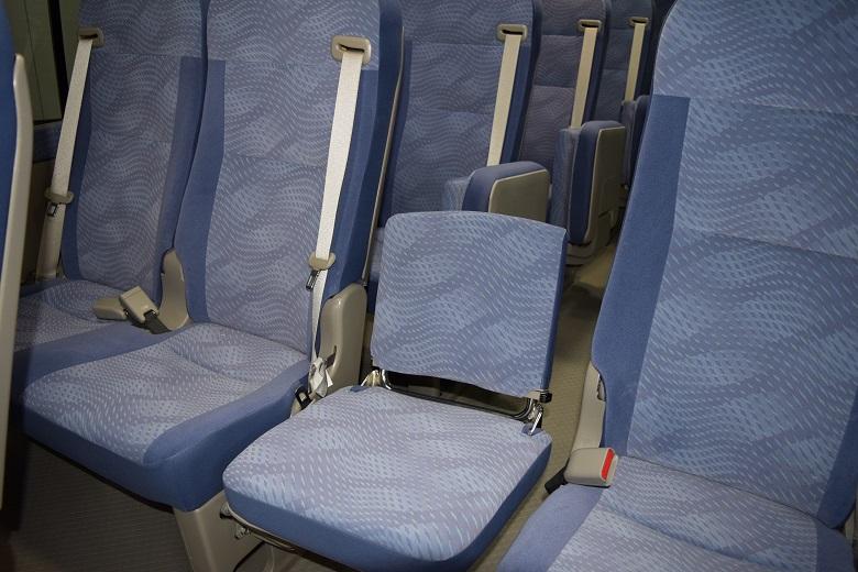 マイクロバス補助席