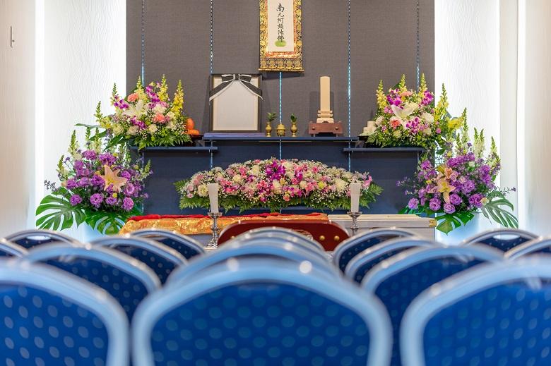 どこで葬儀を挙げるかで費用は異なる