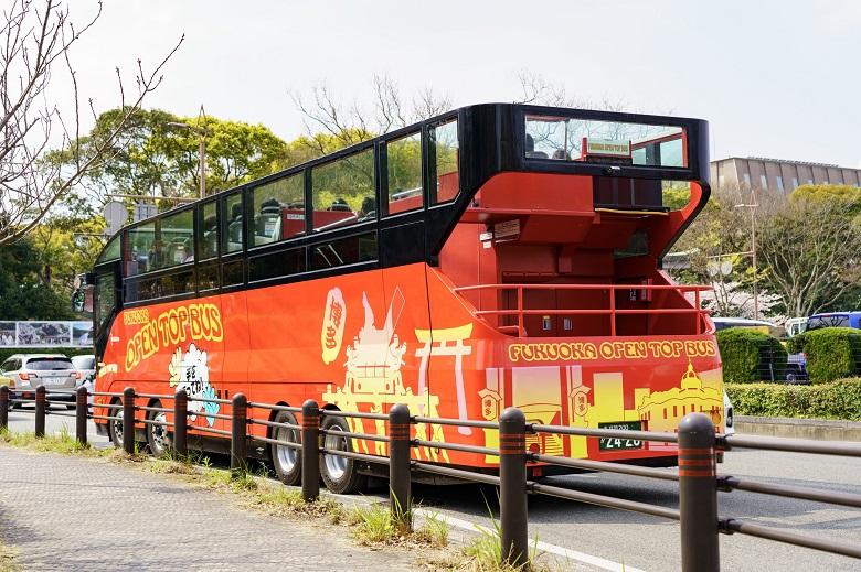 福岡観光の足・オープントップバス