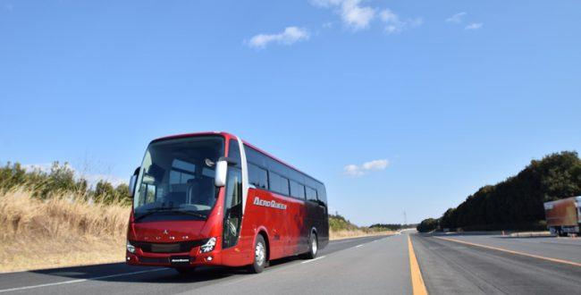 大型観光バス「エアロクイーン」