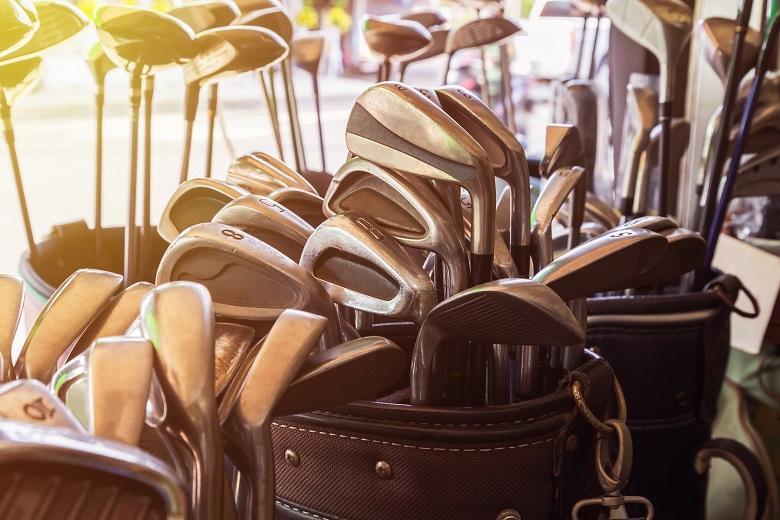 トランクルームにゴルフバッグを入れる場合