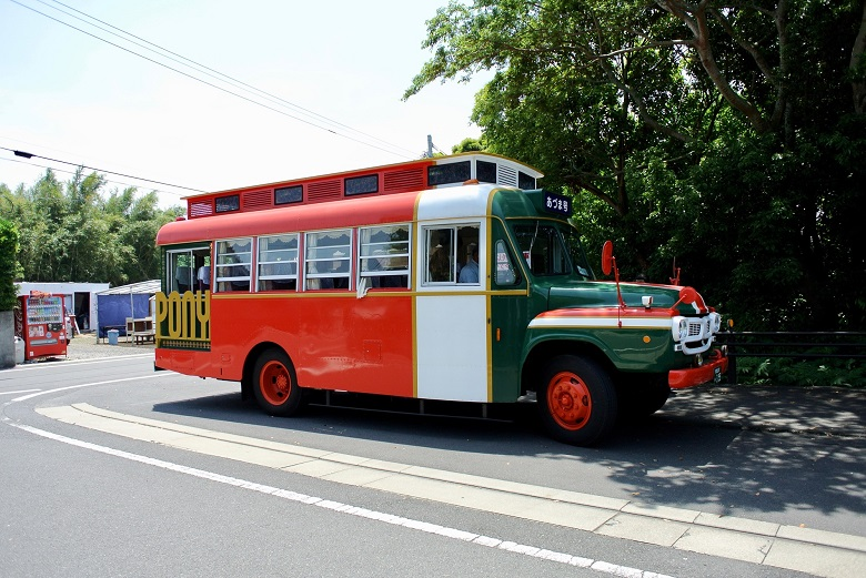 指宿ボンネットバス