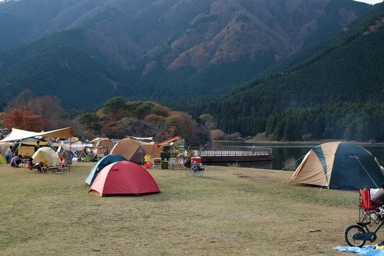 河口湖でキャンプ