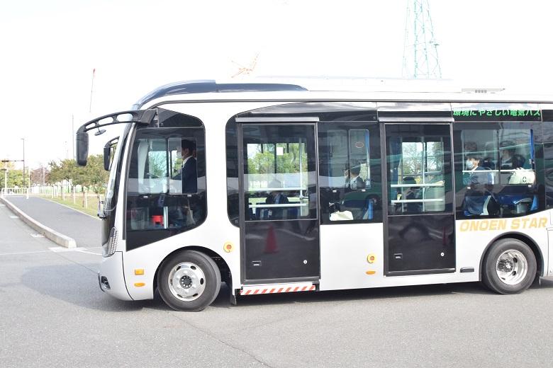 オノエンジニアリングの路線バス7mタイプ
