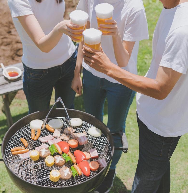 デイキャンプで冷たいビールとBBQ
