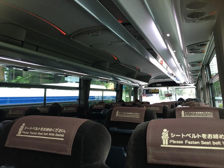 貸切バスは換気能力に優れた乗り物